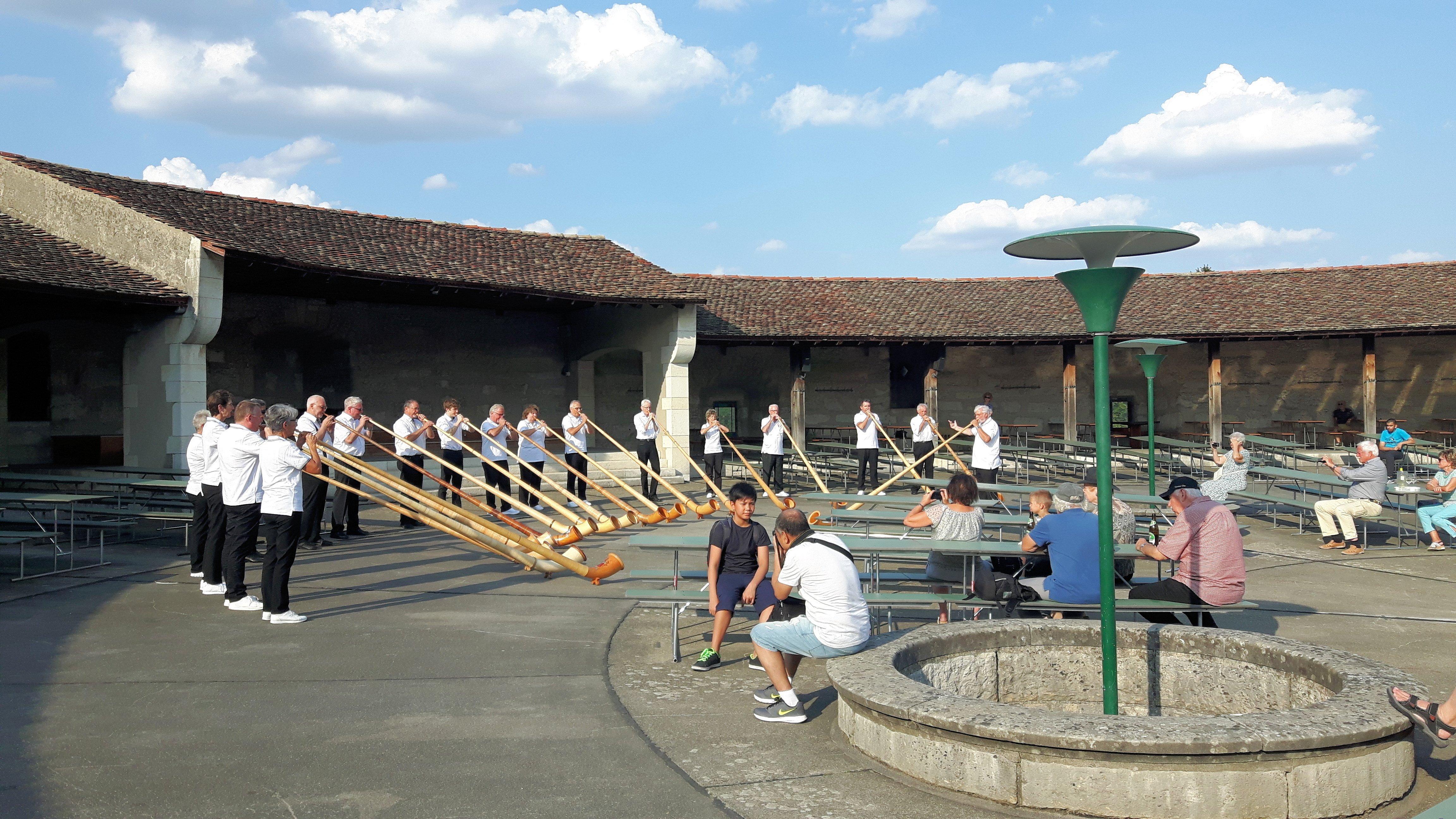 Munot-21.8.18-gemeinsames-Konzert-Alphornvereinigungen-SH-u.-ZH-Stadt-1